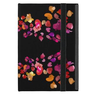Hoch entwickelte weibliche brennende Farben mit iPad Mini Schutzhülle