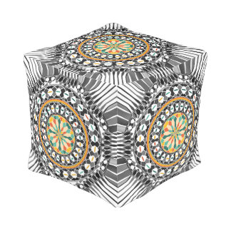 Hochauflösende Mandala Kubus Sitzpuff