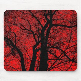 Hochauflösender Baum - Rot Mousepads
