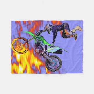 Hochfliegender Freistilmotocross-Reiter Fleecedecke