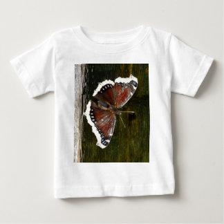 Hochroter und weißer Schmetterling Baby T-shirt