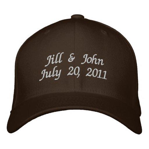 Hochzeits-Datums-Paar nennt Mitteilungs-Brown-Hut Bestickte Kappen