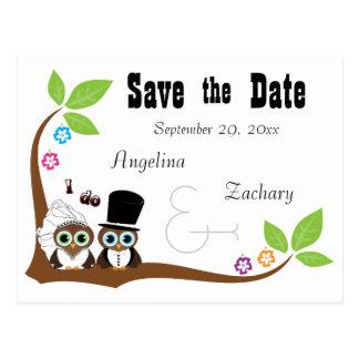 Hochzeits-Eulen-Braut und Bräutigam Save the Date Postkarte