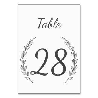 Hochzeits-Tischnummer im rustikalen Karte