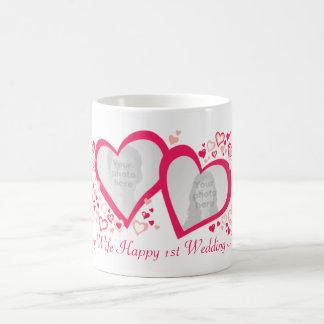 Hochzeitsjahrestags-Foto-Tasse mit zwei Herzen 1. Tasse