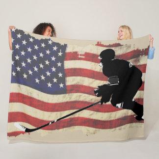 Hockey-Spieler und US-Flagge - Winter-Sport Fleecedecke