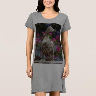 Hölzerne Ente mit Blumen Kleid