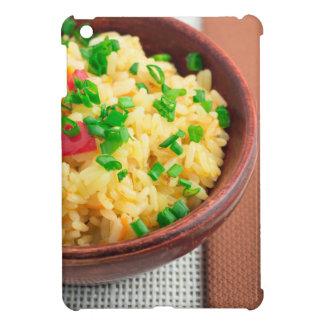 Hölzerne Schüssel gekochter Reis und Gemüse iPad Mini Hülle