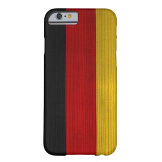 Hölzernes Muster mit gravierter Deutschland-Flagge Barely There iPhone 6 Hülle