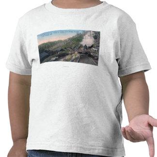 Holzfäller, die Klotz über Gulch durch Kabel trage T-shirt