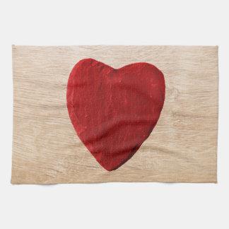 Holzhintergrund mit Herz Handtuch