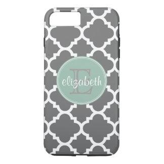 Holzkohle und Minze Quatrefoil Muster-Monogramm iPhone 8 Plus/7 Plus Hülle