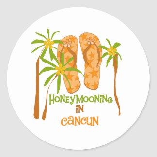 Honeymooning in Cancun-Aufkleber Runder Aufkleber