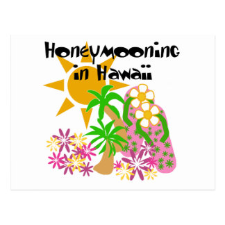 Honeymooning in Hawaii Postkarte