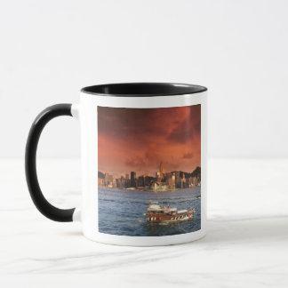 Hong Kong-Hafen am Sonnenuntergang Tasse