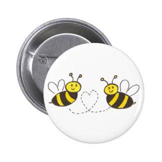 Honig-Bienen mit Herzen Anstecknadel
