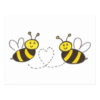 Honig-Bienen mit Herzen Postkarte