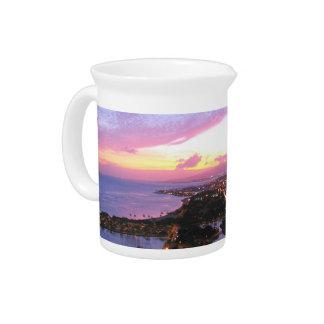 Honolulu-Stadtbild Hawaii-Sonnenuntergang Getränke Pitcher
