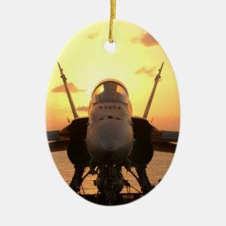 Hornisse F-18 in Meer an Bord des Keramik Ornament