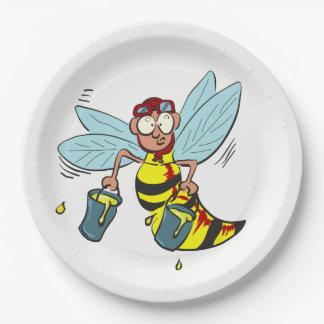 Hornissenwespebiene mit zwei Eimern Honig Pappteller