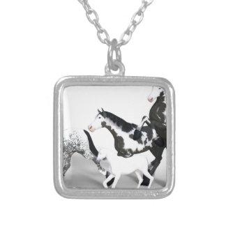 horses-1530858 versilberte kette