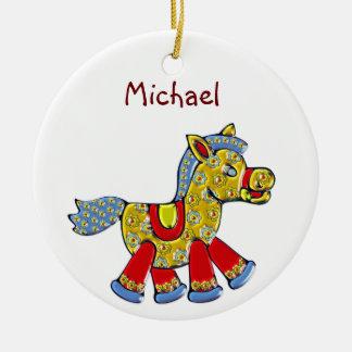 Horsey für das erste Weihnachten des Babys Rundes Keramik Ornament