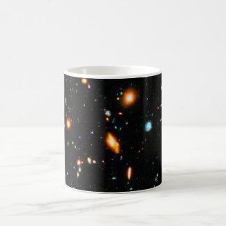 Hubble extremes tiefes Feld Kaffeetasse