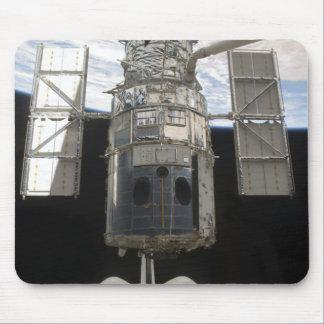 Hubble Weltraumteleskop in Atlantis-Laderaum Mousepad