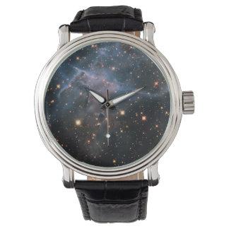 """Hubbles """"mystischer Gebirgs"""" - Weltraum Uhr"""