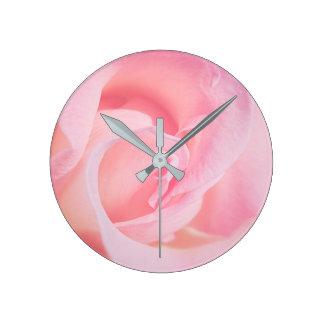 Hübsch im Rosa Runde Wanduhr