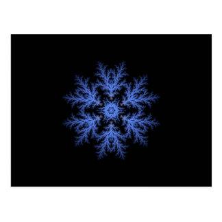Hübsche blaue Winterschneeflocke Postkarte