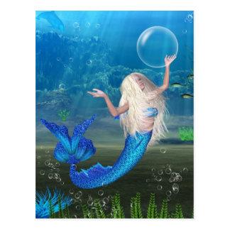 Hübsche blonde Meerjungfrau mit Blase Postkarte