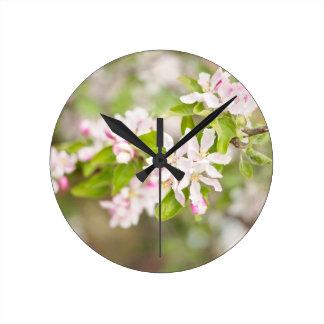 Hübsche Blüten-Uhr Wanduhren