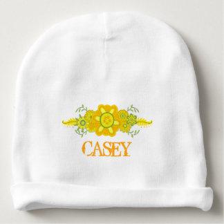 Hübsche gelbe Blumen-Mittelstück-Namen-Schablone Babymütze
