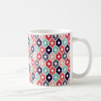 Hübsche gemusterte Tasse