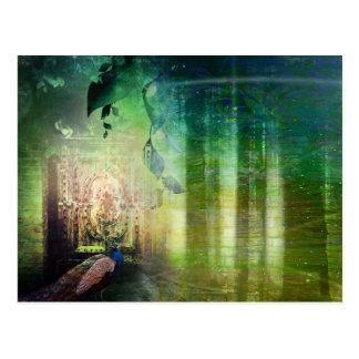 Hübsche grüne Tore des Paradies-Pfau-Waldes Postkarte