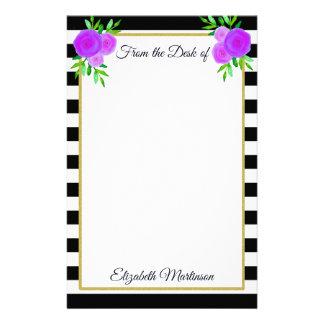 Hübsche lila Blumen-gestreifter Monogramm-Name Briefpapier