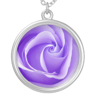 Hübsche lila Rosen-Halskette Halskette Mit Rundem Anhänger