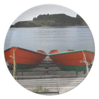 Hübsche Neufundland-Boote Teller