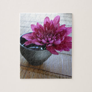 Hübsche rosa Chrysantheme in der Zenart Puzzle