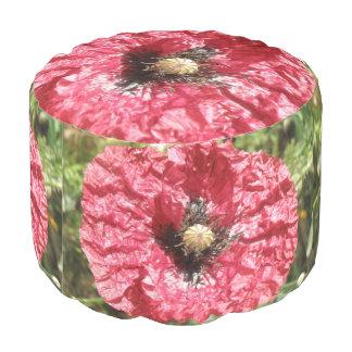 Hübsche rote Mohnblumen-Blumen-makro runder Puff Hocker
