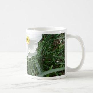 Hübsche weiße Frühlings-Blumen CricketDiane Tee Haferl