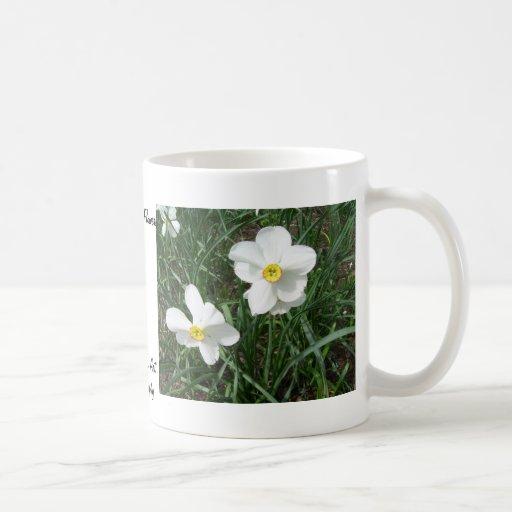 Hübsche weiße Frühlings-Blumen CricketDiane Haferl