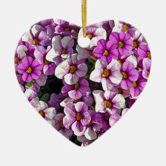 Hübscher Blumendruck der rosa und lila Petunien Keramik Herz-Ornament