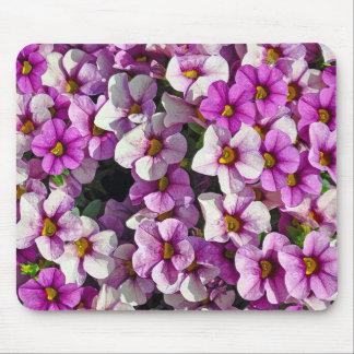 Hübscher Blumendruck der rosa und lila Petunien Mousepads