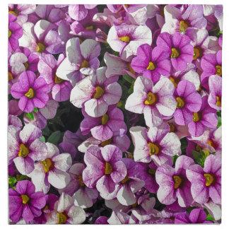 Hübscher Blumendruck der rosa und lila Petunien Stoffserviette