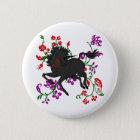 Hübscher tänzelnder dunkler Unicorn mit Blumen Runder Button 5,1 Cm