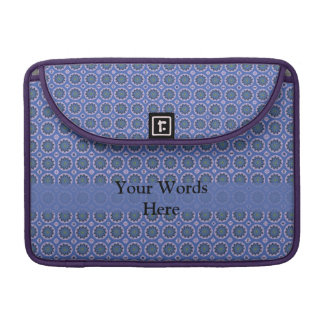 Hübsches blaues Blumenmuster MacBook Pro Sleeve