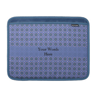Hübsches blaues Blumenmuster MacBook Sleeve