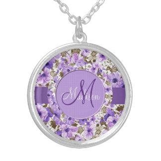 Hübsches Monogramm-lila u. weiße Blumenhalskette 3 Versilberte Kette